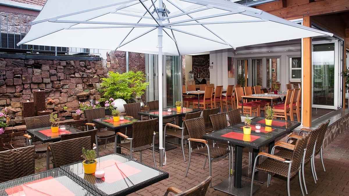 Restaurant hotel sonne karlsruhe stupferich restaurant und hauseigene metzgerei bestpreis - Wintergarten karlsruhe ...